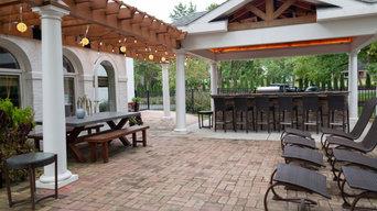 Elegant Outdoor Kitchen, Bar & Dining Space