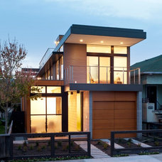 Contemporary Exterior by Moderna Homes, Inc.