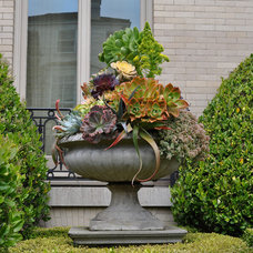 Traditional Exterior Entry Garden and Portico: Living Green
