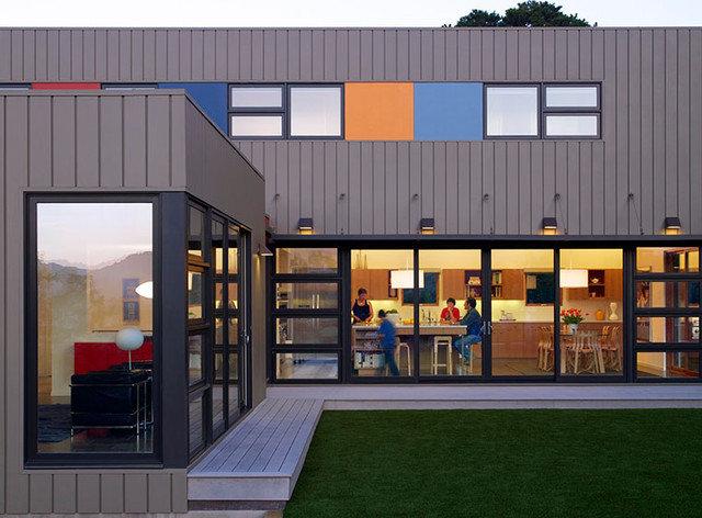 Modern Exterior by Sharon Portnoy Design