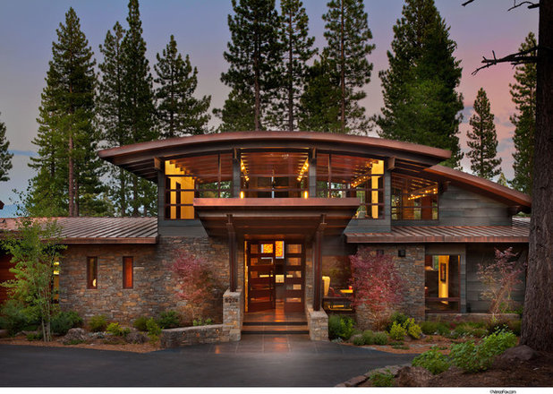 Rustic Exterior by Ward-Young Architecture & Planning - Truckee, CA