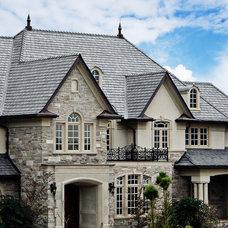 Traditional Exterior by Enviroshake Inc.