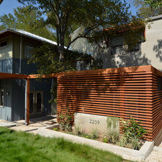 Contemporary Exterior by ísARK Studio