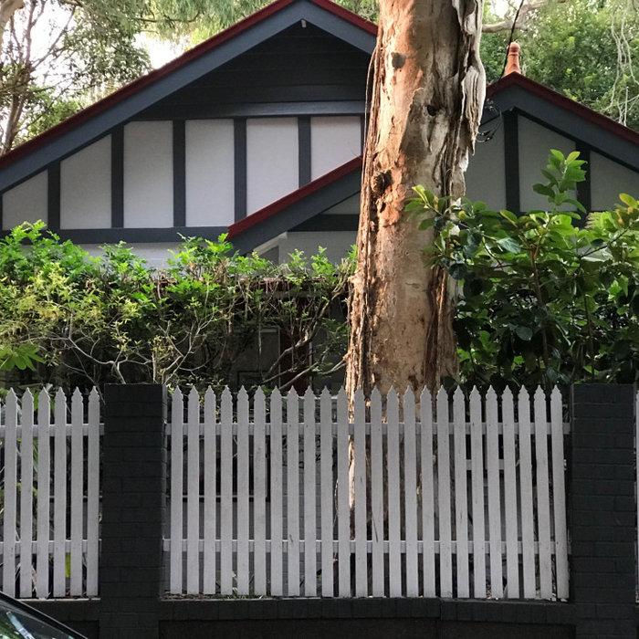 California bungalow interior/exterior Bronte