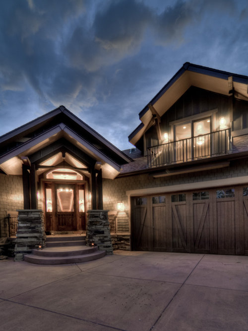 Balcony above garage houzz for Craftsman style garage lights