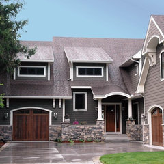 traditional exterior by Behr Design