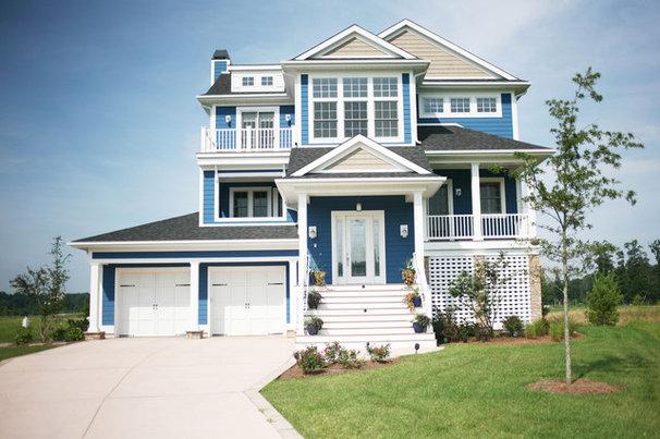 Exterior by Echelon Custom Homes