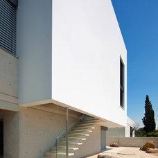 Exterior by Elad Gonen