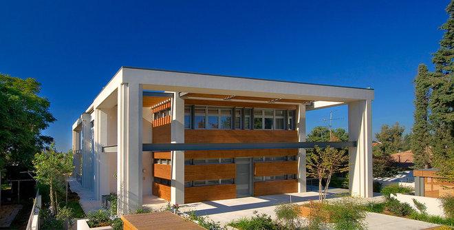 Contemporary Exterior by Elad Gonen