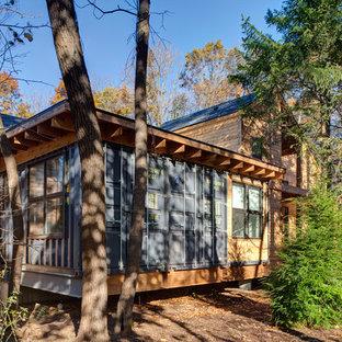 Свежая идея для дизайна: дом из контейнеров в современном стиле - отличное фото интерьера