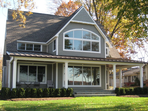 Traditional Exterior by GITTLEMAN CONSTRUCTION