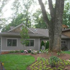 Traditional Exterior by Green House Renovation Atlanta, LLC