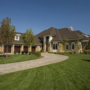 Traditional two-storey exterior in Minneapolis.