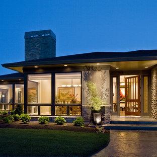 Contemporary one-story exterior home idea in Portland