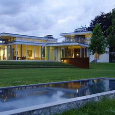 Modern Exterior by Maryann Thompson Architects