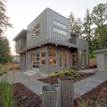 Exterior of a Mid Century Modern + Urban Cosmopolitan style custom home