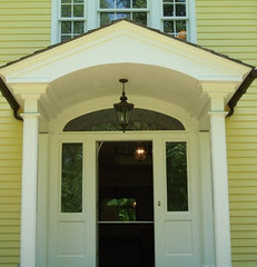 traditional exterior by PHIL VALENCIA / VPI VALENCIA PAINTING INC.