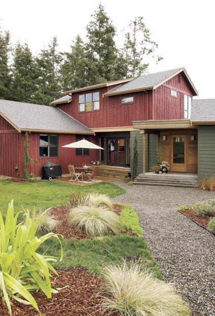 Farmhouse Exterior by Stig Carlson Architecture