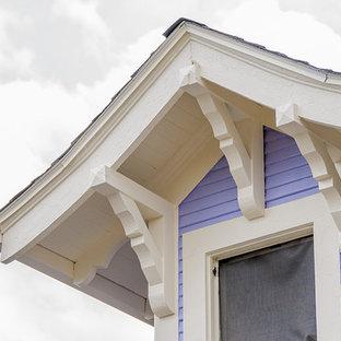 ポートランドの中くらいのエクレクティックスタイルのおしゃれな家の外観 (コンクリート繊維板サイディング) の写真
