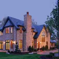 Traditional Exterior by Diamond Homes, Inc.