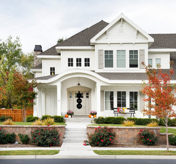 Traditional Exterior by Meagan Larsen Photography