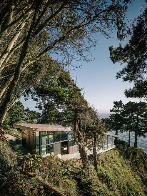 Building on slopes houzz for Building a house on a slope