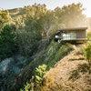Visite Privée : Une maison accrochée à la paroi rocheuse de Big Sur