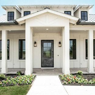 Idéer för lantliga vita hus, med två våningar