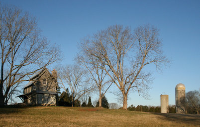 Houzz Tour: Relaxation Rules in a Rural Weekend Getaway
