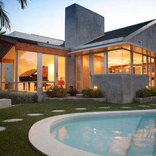 Modern Exterior by Markus Canter (FCB:Design)