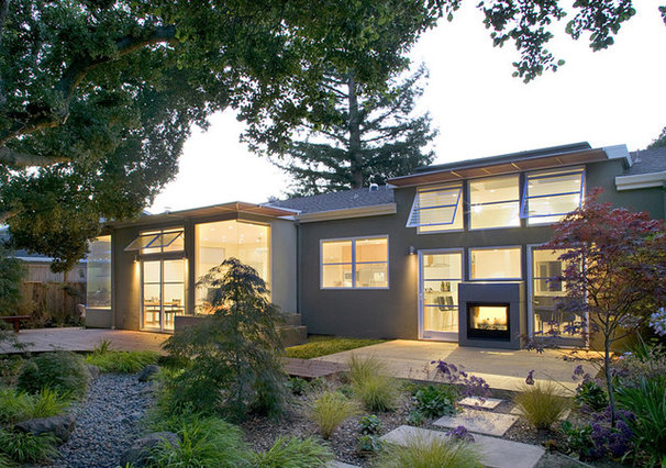 Contemporary Exterior by Feldman Architecture, Inc.