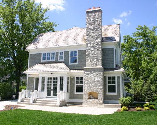 Esempio della facciata di una casa al mare con in pietra for Costo della costruzione di una casa in pietra