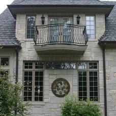 Exterior by Fergon Architects, LLC