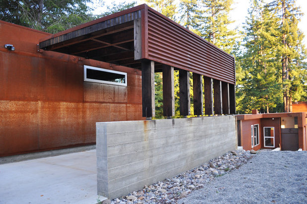 Industrial Exterior by Fuse Architects, Inc.