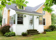 What is the brand and color paint on white shingles and trim..thanks