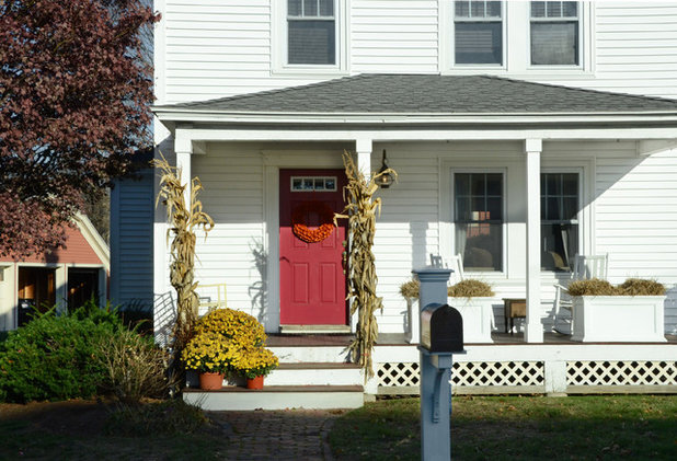 Traditional Exterior by Design Fixation [Faith Provencher]