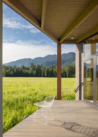 ミッドセンチュリー 家の外観 by David Coleman / Architecture