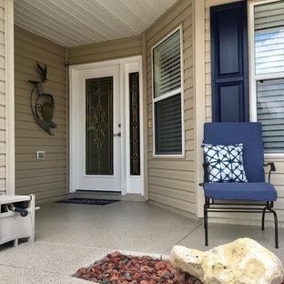 Small beach style exterior home photo in Orlando