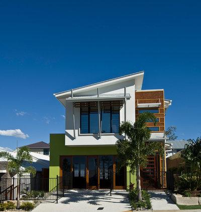 Modern Exterior by Indigo Homes