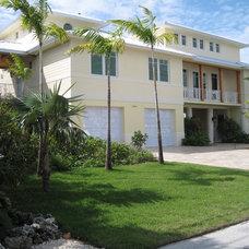 Tropical Exterior by Progressive Construction, Inc.