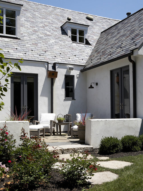 White stucco house home design ideas pictures remodel for Exterior stucco design decorating ideas