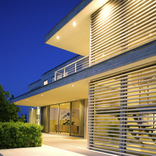 Design ideas for a modern glass exterior in New York.