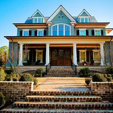 Traditional Exterior by Solaris Inc.