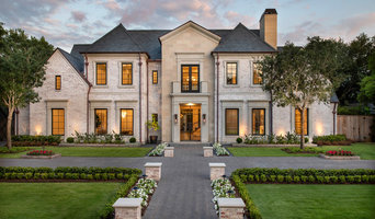 FOR SALE: Tanglewood Transitional Estate