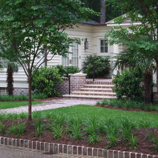 Traditional Exterior by Hooten Land Design, Inc.
