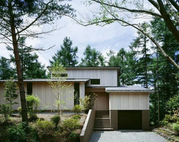 トラディショナル 家の外観 by 横堀建築設計事務所 Yokobori Architect & Associates
