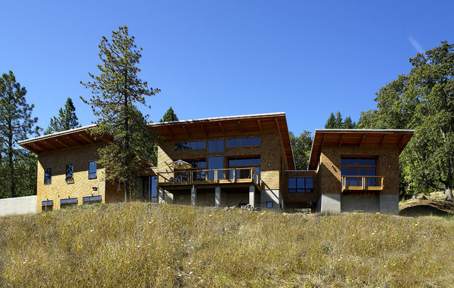 Contemporary Exterior by 2fORM Architecture