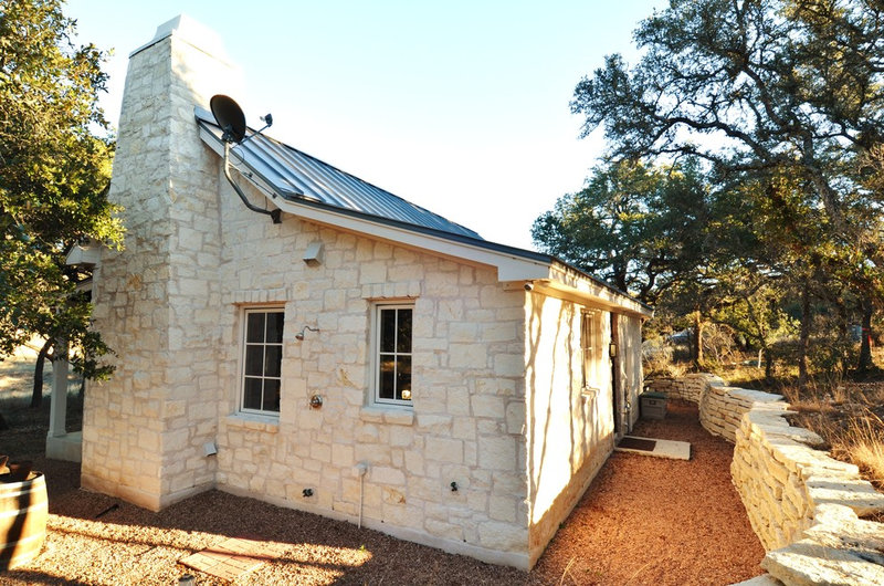 Farmhouse exterior by bonterra building design for Hill country stone
