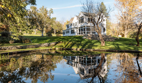 Houzz Tour: A Rebuild Makes This Farmhouse's Age Hard to Guess