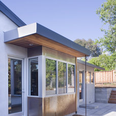 Modern Exterior by John Lum Architecture, Inc. AIA